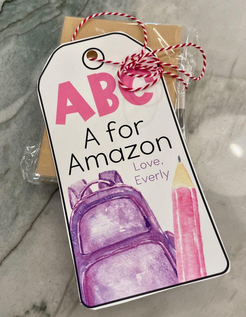 Teacher gift. Free download for teacher gift. Gift tag for teachers. Teacher appreciation gift tag. Back to School gift.